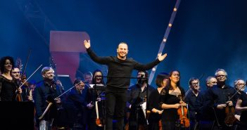 Yannick Nézet-Seguin and Orchestre Métropolitain, Photo: Malu Dawwkins Jr Bukasa